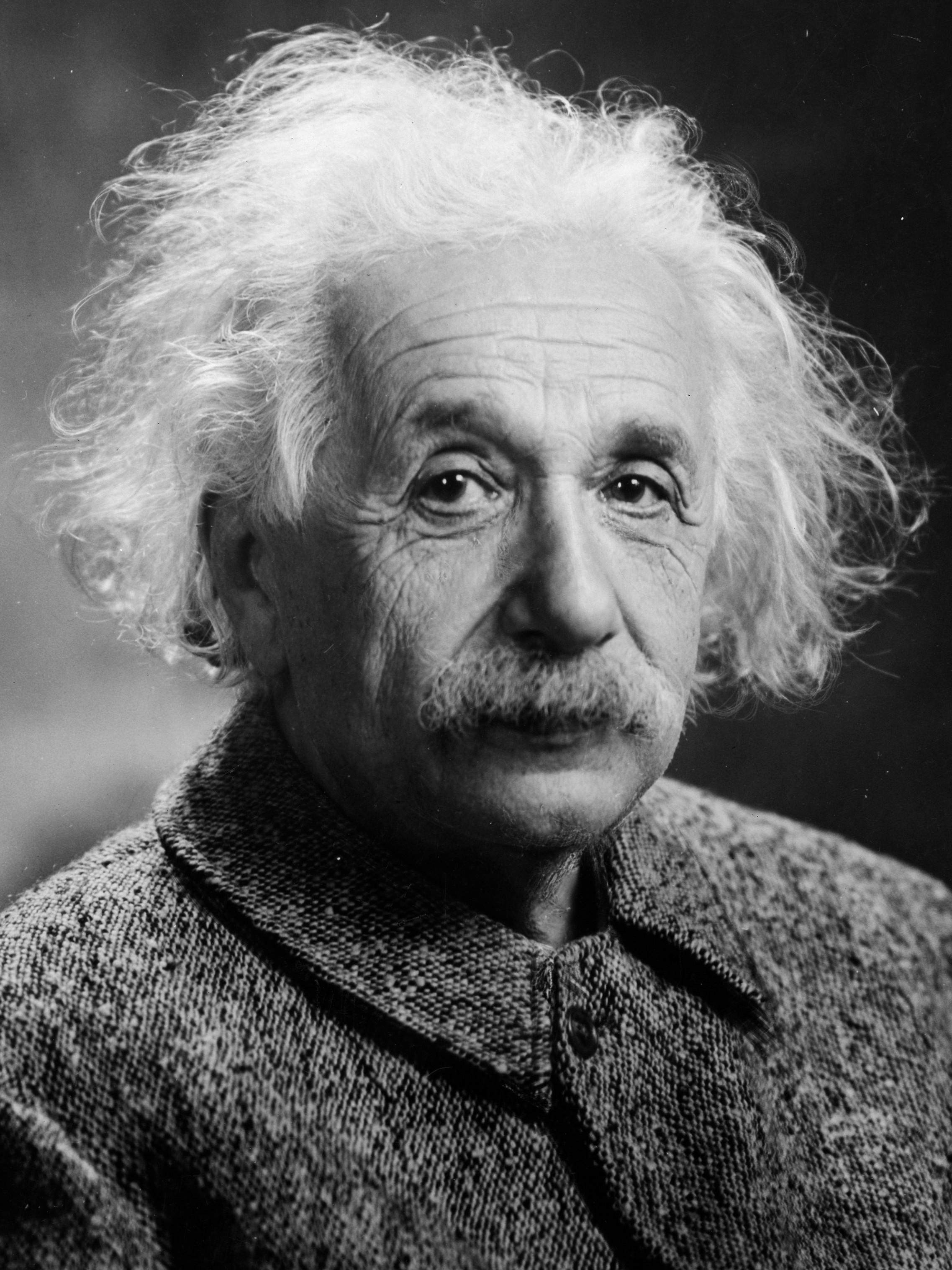 لماذا الاشتراكية؟ مقال تاريخي بقلم العالم الشهير ألبرت أينشتين منشور سنة 1949