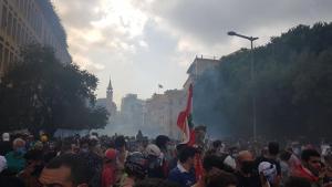 لجنة المحامين للدفاع عن المتظاهرين: لا مفر من تغيير هذا النظام السياسي المجرم الذي فجر منازلنا وقتل أرواحنا وأحلامنا