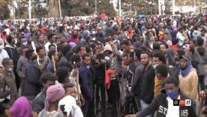 اغتيال مغني مشهور في إثيوبيا يشعل فتيل الاحتجاجات في أديس أبابا والسلطات تقطع الإنترنت