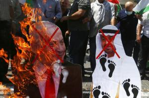 في تونس والمغرب والكويت.. تنديدٌ بالتطبيع الإماراتي مع كيان الاحتلال