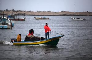 سلطات الاحتلال تعلن تقليص مساحة الصيد في بحر غزة حتى إشعارٍ آخر