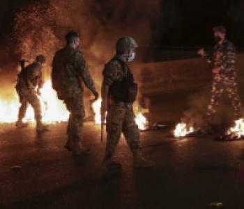 أطراف الطبقة المسيطرة في لبنان تتسبّب بانفجار أزمة مزدوجة في طرابلس